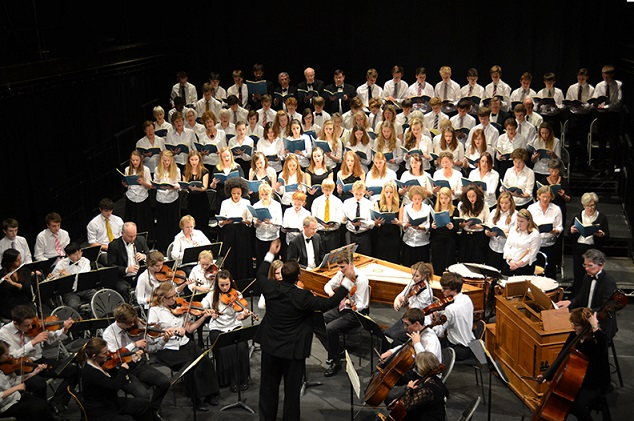 Joint School's Choral Society in Mozart and Rutter