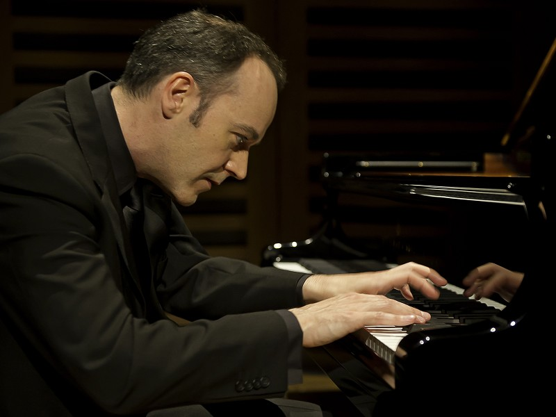 Leon McCawley (Piano) - International Classical Series