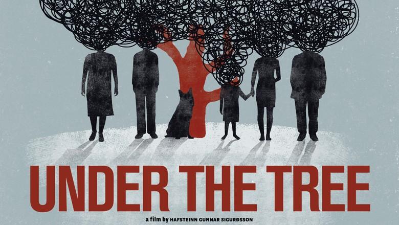 Under the Tree (Undir trénu) Image