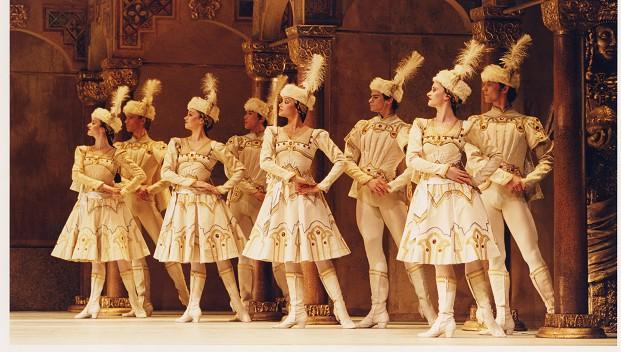 Concerto/Enigma Variations/Raymonda Act III - Royal Ballet Live