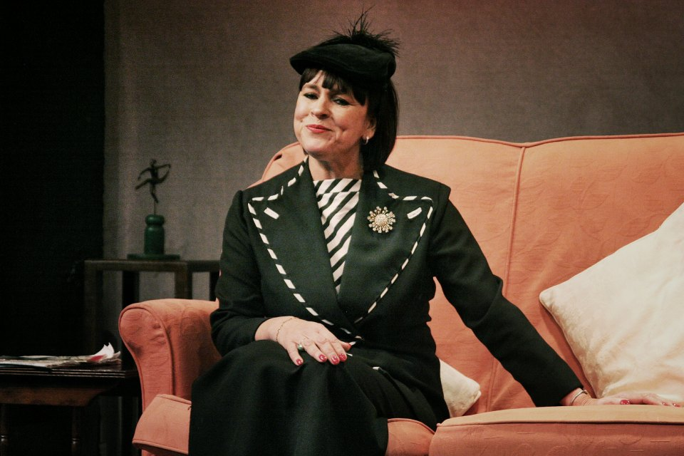 Sarah Taylor in Present Laughter (2015)