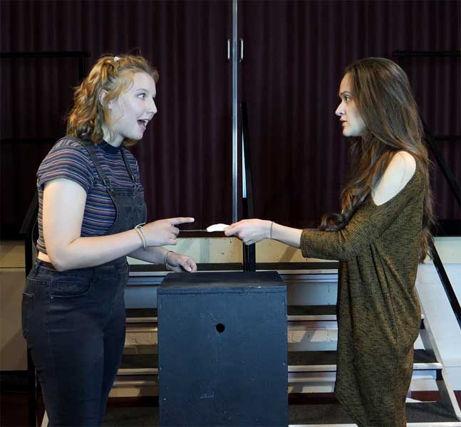 Rhiannon Jones & Ellie Searston in Hannah and Hanna, 2017