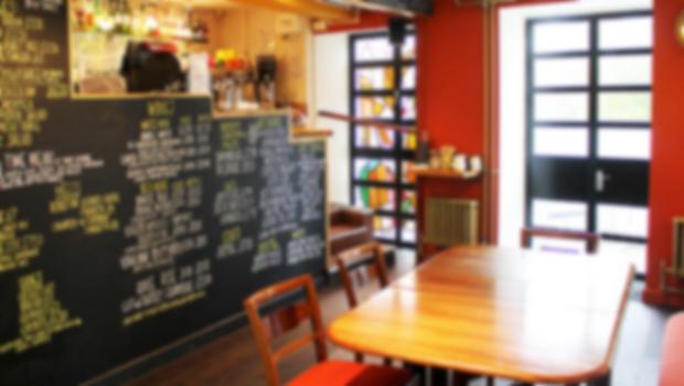 Caf� & Bar
