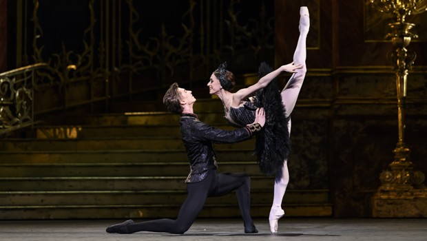 ROH Live Cinema Season 19/20 Swan Lake