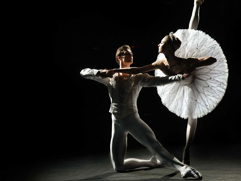 Bolshoi Ballet 21-22 : Jewels (Live)