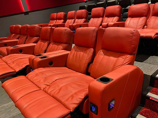 Double Recliner Seating
